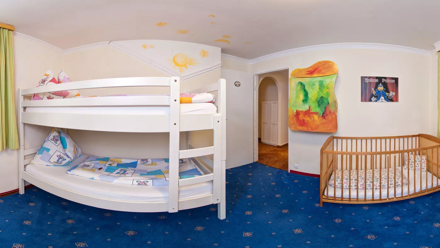 Kinderhotel Zimmer/Appartement Himmelbett